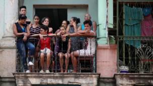 Кубинцы на балконе