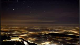 صورة أوريون السماوي وواضحة في جميع أنحاء العالم. وهو واحد من الأبركارلو زاندري- مقاطعة تريفيزو شمال شرق إيطاليا.