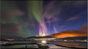 الشفق القطبي بسماء النرويج المعروف بذيل آورورا- صورة ستيفاني ياي