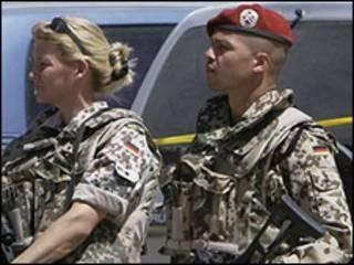 سربازان آیساف در افغانستان