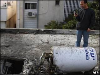 محل فرود موشکی در اسرائیل که از لبنان شلیک شد