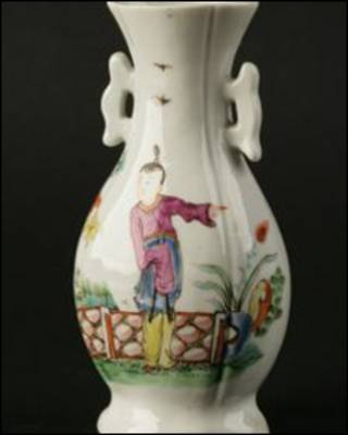 Vaso de porcelana da Royal Worcester (foto: Divulgação/Duke)