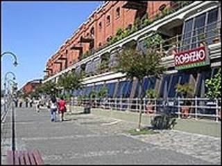 Restaurantes no bairro de Puerto Madero, em Buenos Aires (arquivo)