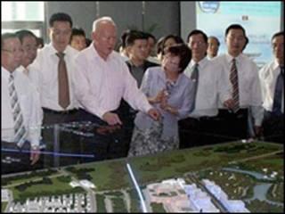 Ông Lý Quang Diệu thăm khu công nghiệp Bình Dương