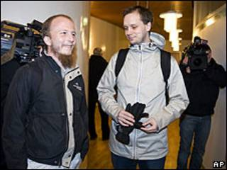 Gottfrid Svartholm Warg (à esq.) e Peter Sunde, do Pirate Bay
