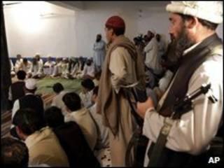 طالبان و مقام های پاکستانی پنجشنبه در بونر دیدار کردند
