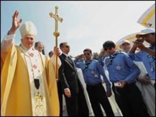 papa em missa campal na Jordânia