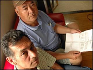 Luiz Kubo e o colega Francisco Masaiki Ishikawa (de boné)
