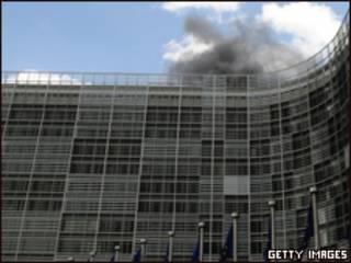 Incêndio no prédio da Comissão Européia, em Bruxelas