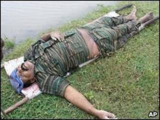 Foto de Velupillai Prabhakaran divulgada por el ejército.