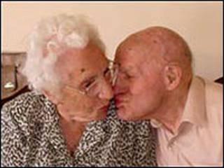 Ông bà Anita và Frank Milford