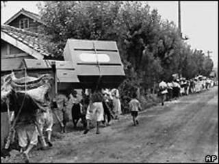 Refugiados durante la guerra en la peninsula coreana.