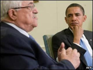 O presidente da Autoridade Palestina, Mahmoud Abbas, e o presidente dos EUA, Barack Obama, durante encontro em Washington nesta quinta-feira (AFP)