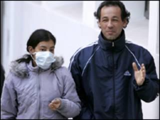 Argentinos usam máscaras