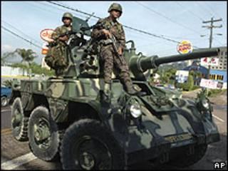 Militares em Tegucigalpa
