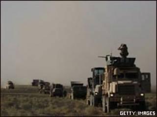 Veículos do corpo de fuzileiros navais dos EUA na Província de Helmand, no Afeganistão (Getty Images, 30/6)