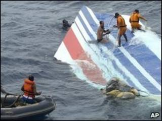 Buscas por destroços do voo AF 447