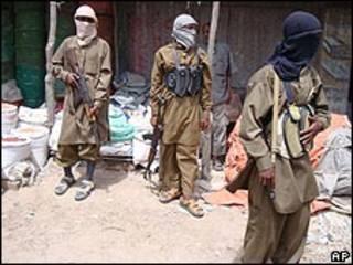 مقاتلون من حركة شباب المجاهدين في مقديشو