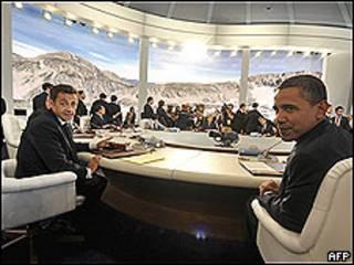 Nicolas Sarkozy e Barack Obama em reunião do G8
