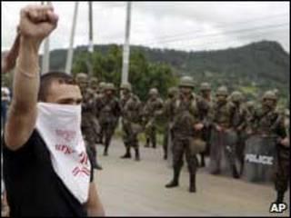 Manifestação pró Zelaya