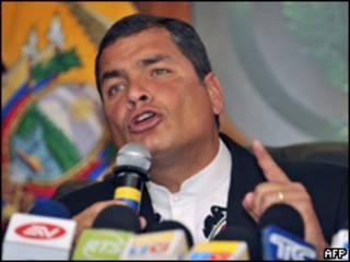 O presidente do Equador, Rafael Correa, durante entrevista coletiva em Quito (AFP, 28/6)