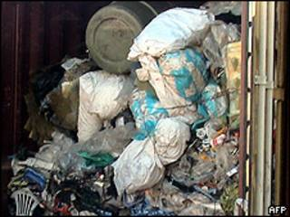 Lixo apreendido no Brasil