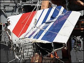 Pedaço de Airbus encontrado após acidente (arquivo)