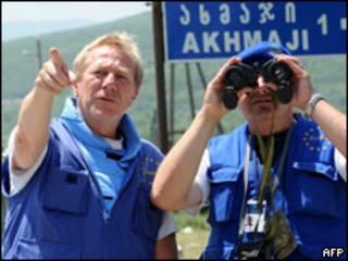 Observadores de la Unión Europea en la frontera entre Georgia y Osetia del Sur.