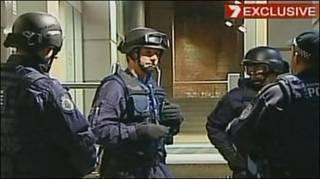 Hình vụ đột kích ở Melbourne