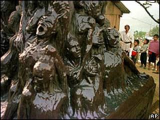Monumento recordatorio de la matanza