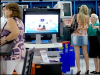 Consumidores em Brasília (Foto: Elza Fiúza/ Agência Brasil)