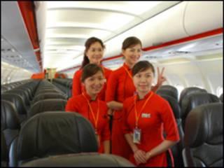 Nhân viên phục vụ chuyến bay của Jetstar Pacific