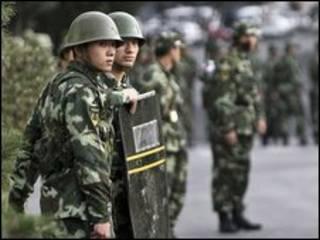 Cảnh sát Trung Quốc tại Urumqi
