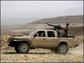 سيارة عسكرية يمنية