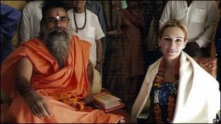 Julia Roberts e o líder do templo de Hari Mandir