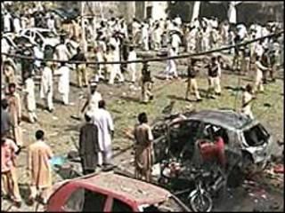 पेशावर में बम धमाका