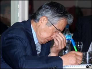 O ex-presidente peruano Alberto Fujimori durante julgamento nesta quarta-feira (AP)