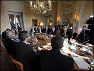Representantes de vários países se reuniram com o Irã em Genebra