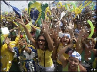 Comemoração em Copacabana após anúncio do Rio como sede dos Jogos Olímpicos de 2016