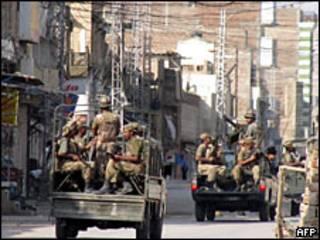 Soldados paquistaníes