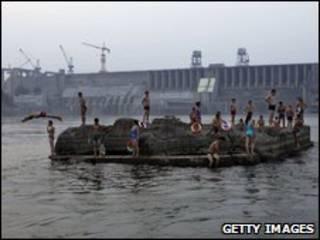 Đập và hồ chứa nước Đan Giang Khẩu