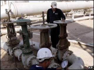 Нефтеперерабатывающий завод в Ираке