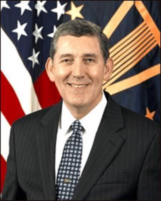 Ông Robert J. Newberry