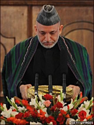 Karzai em discurso de posse