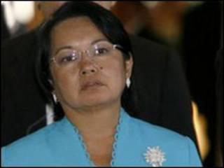 گلوریا آرویو