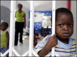 ВИЧ-инфицированная девочка в Южной Африке