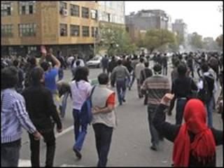 ईरान में विपक्षी प्रदर्शनकारियों