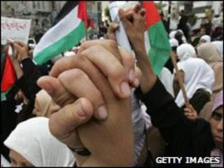 متظاهرون في نابلس