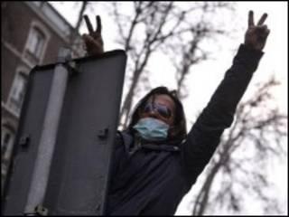 یک معترض در روز عاشورا
