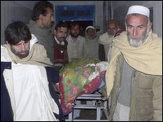 Herido en Pakistán recibe atención